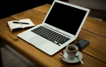 Laptop để học SEO